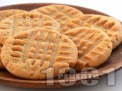 Лесни селски великденски курабийки (сладки) с масло или свинска мас и пудра захар - снимка на рецептата